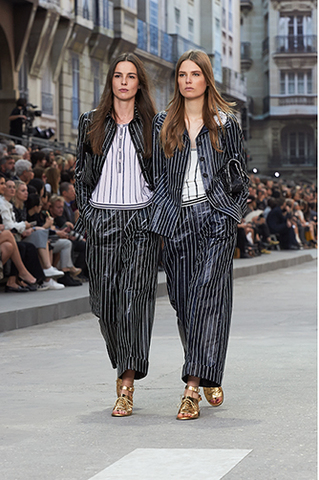 chanel-spring-summer-2015-ready-to-wear-looks-11