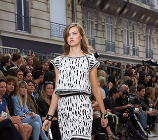 chanel-spring-summer-2015-ready-to-wear-looks-14