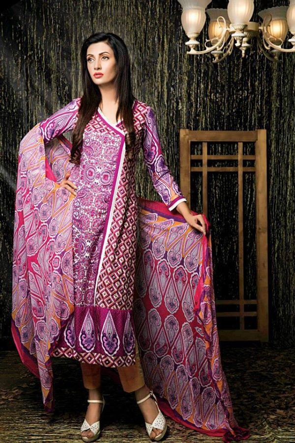 Amna-Ismail-Winter-Linen-Collection (11)