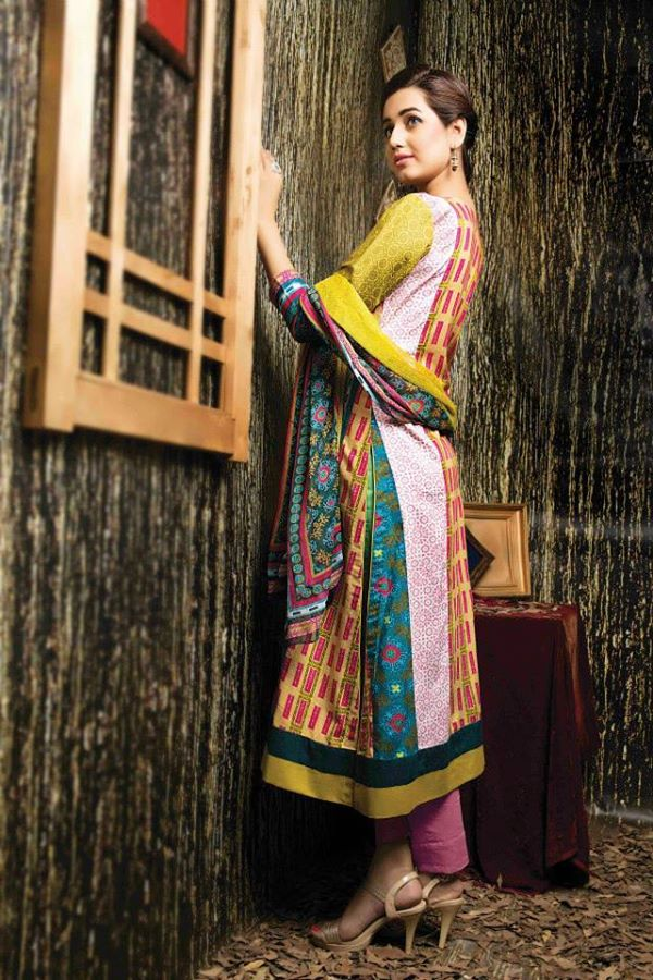 Amna-Ismail-Winter-Linen-Collection (35)