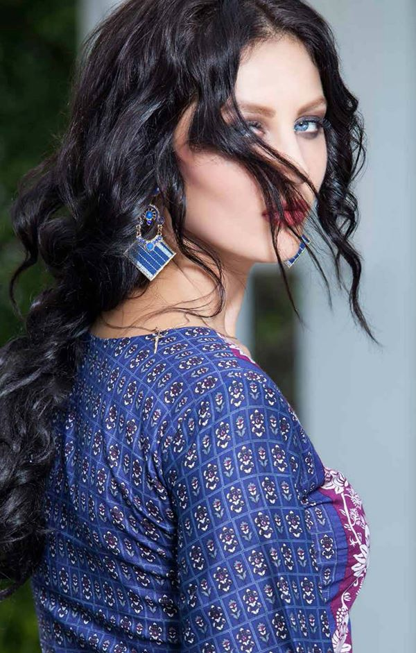 Rabea-Kurti-Collection-by-Shariq-Textiles (6)