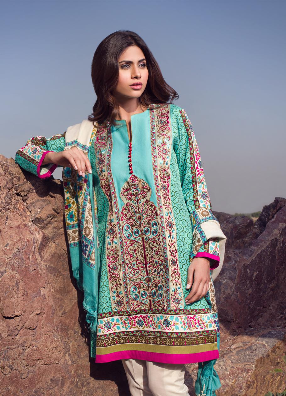 Sana-Safinaz-Winter-Shawl-Collection (6)