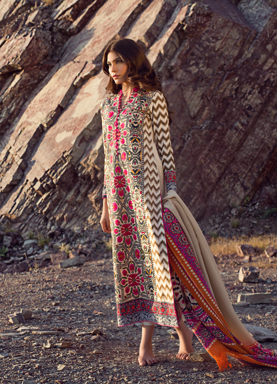 Sana-Safinaz-Winter-Shawl-Collection (9)