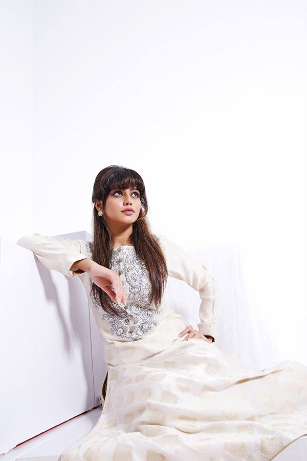 Zunairas-lounge-formal-dresses- collection (8)