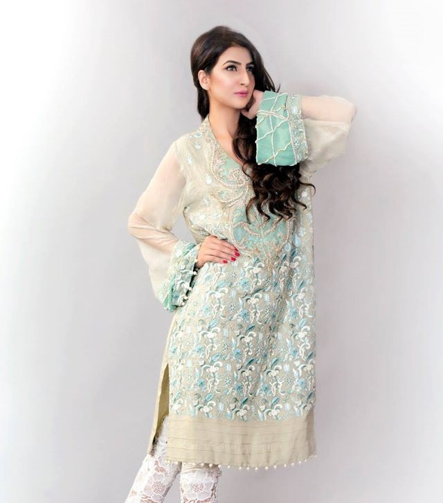 Ayesha-Somaya-Party-wear-winter-dresses-collection (11)