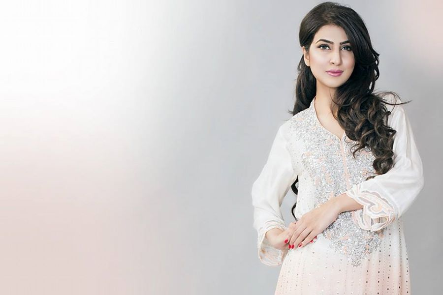 Ayesha-Somaya-Party-wear-winter-dresses-collection (13)