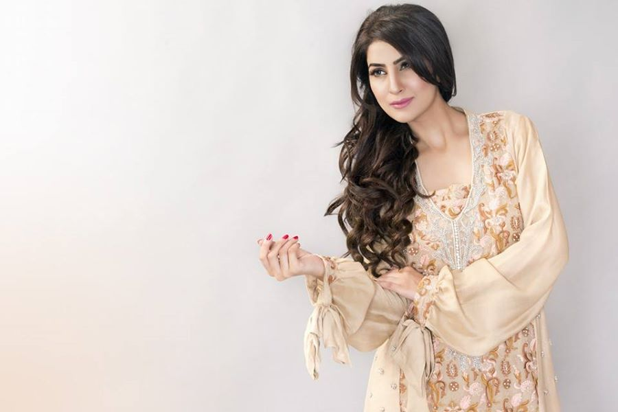 Ayesha-Somaya-Party-wear-winter-dresses-collection (21)