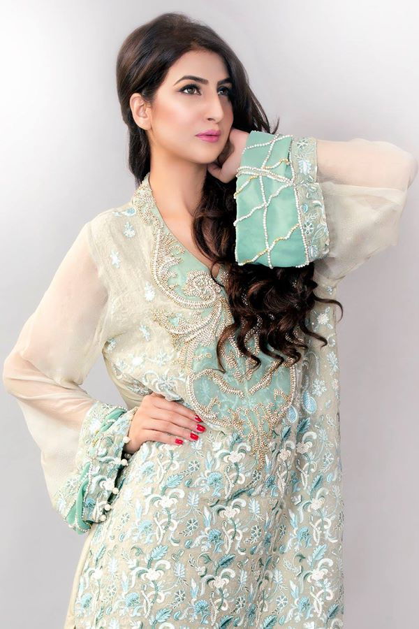 Ayesha-Somaya-Party-wear-winter-dresses-collection (9)