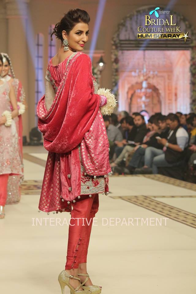 Hajra-Hayat-bridal-collection-at-telenor-bridal-couture-week (10)