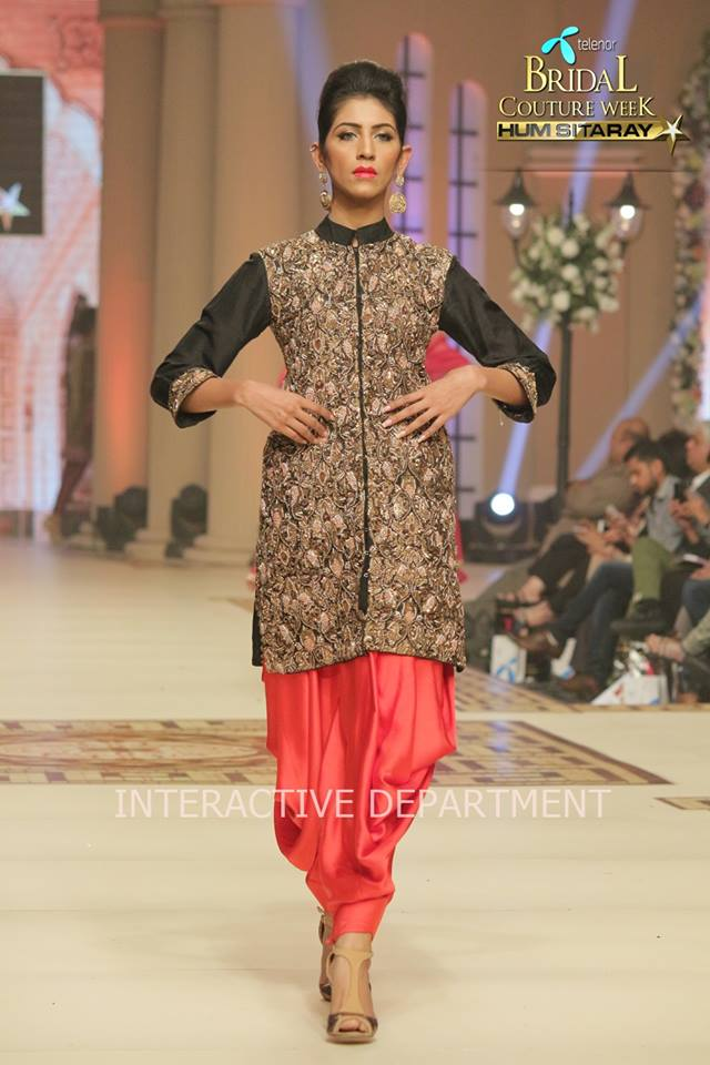 Hajra-Hayat-bridal-collection-at-telenor-bridal-couture-week (6)