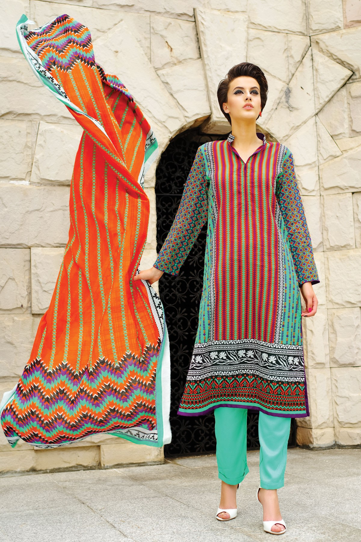 Alkaram-modern-geo-summer-collection-2015-2016 (3)