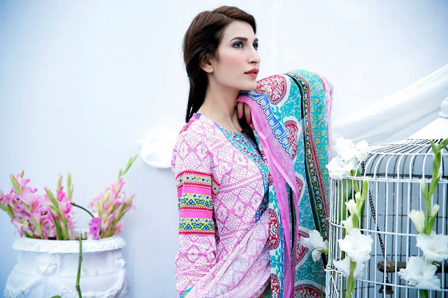 Amna-Ismail-spring-summer-lawn-2015 (59)