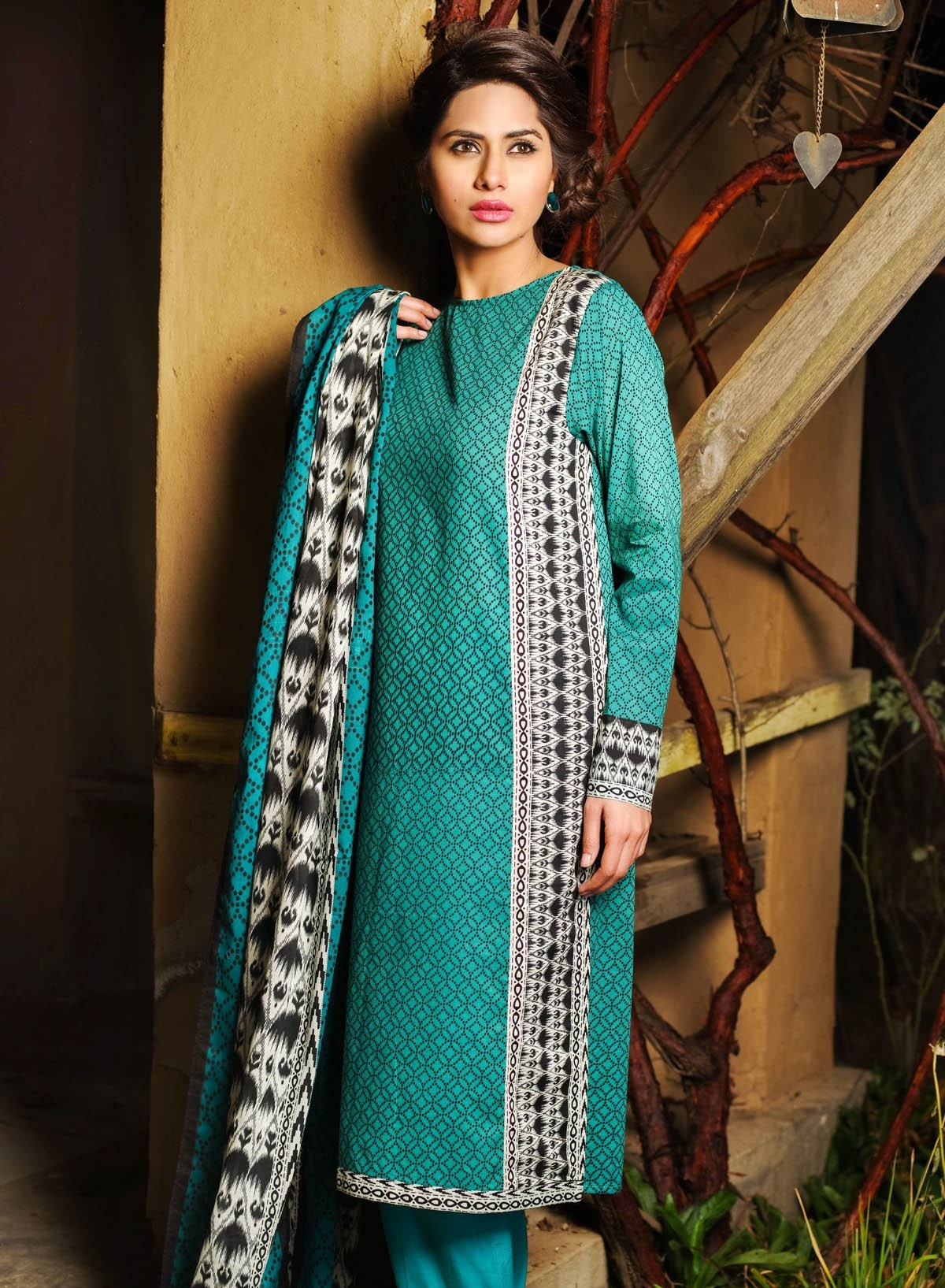 Khaadi-Lawn-Summer-Collection-2015 (12)
