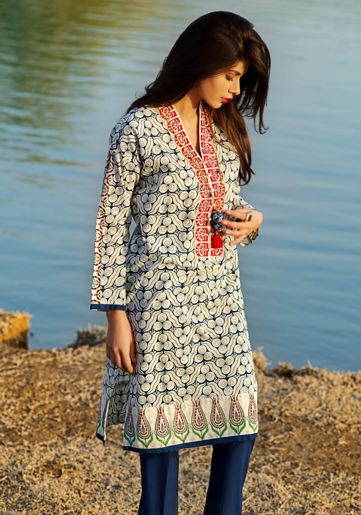 Khaadi-Lawn-Summer-Collection-2015 (42)