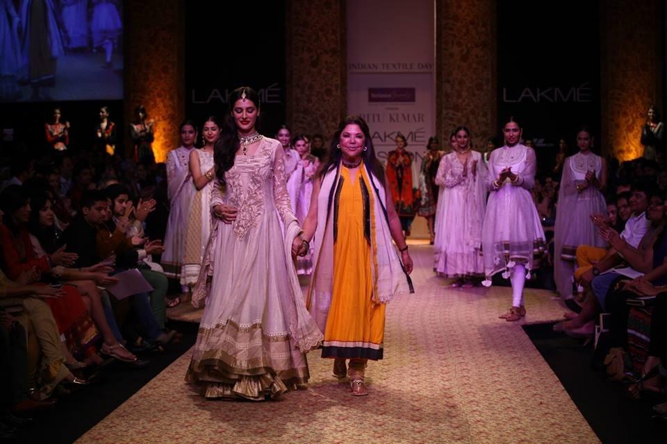 Top-Ten-indian-fashion-designers (7)
