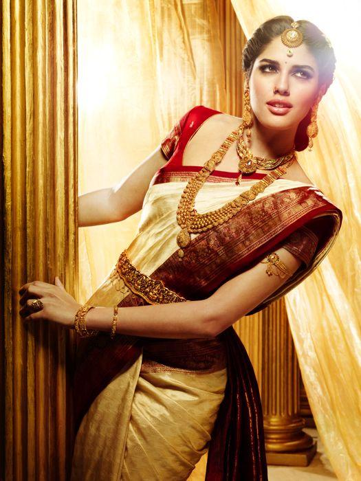 Designer-Embroidered-Indian-Bridal-Sarees (6)