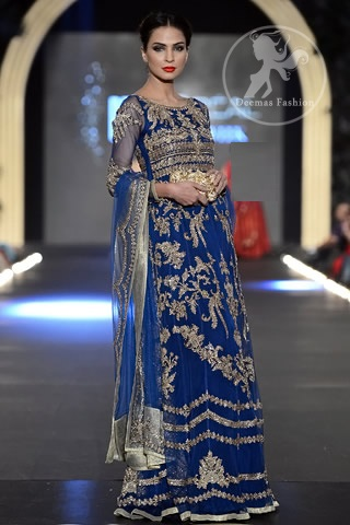 Beautiful-Maxi-Style-Dresses-in-Pakistan (23)