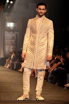 Indian-designer-wedding-wear-groom's-dresses (17)