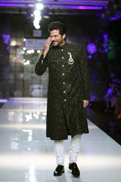 Indian-designer-wedding-wear-groom's-dresses (8)