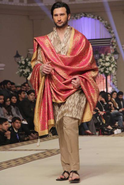 Pakistani-Designer-Grooms-Dresses-Collection (12)
