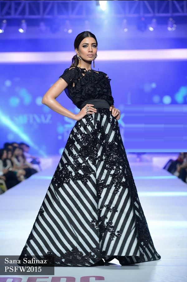 Sana-Safinaz-Collection-at-PSFW-2015-2016