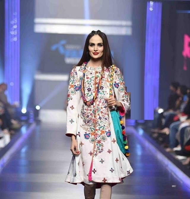 Telenor-Bridal-Couture-Week-2015-2016-All-Collections (12)