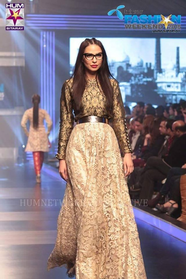 Telenor-Bridal-Couture-Week-2015-2016-All-Collections (8)
