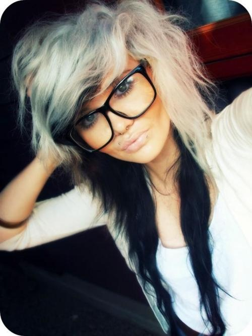 Best-Emo-Girl-Hairstyles-For-Gilrs (10)