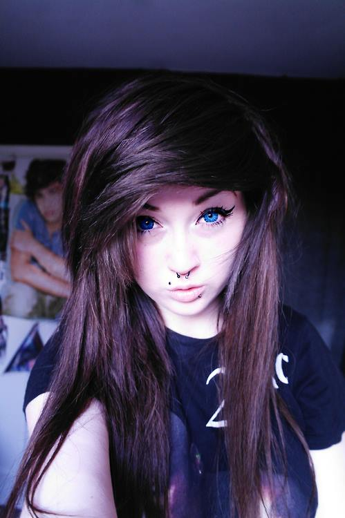 Best-Emo-Girl-Hairstyles-For-Gilrs (11)