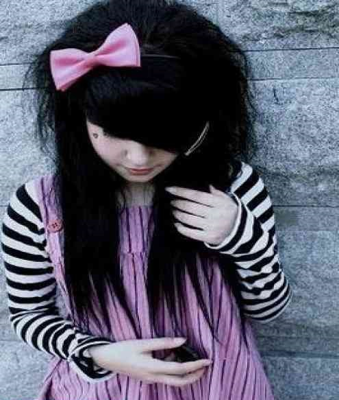 Best-Emo-Girl-Hairstyles-For-Gilrs (3)