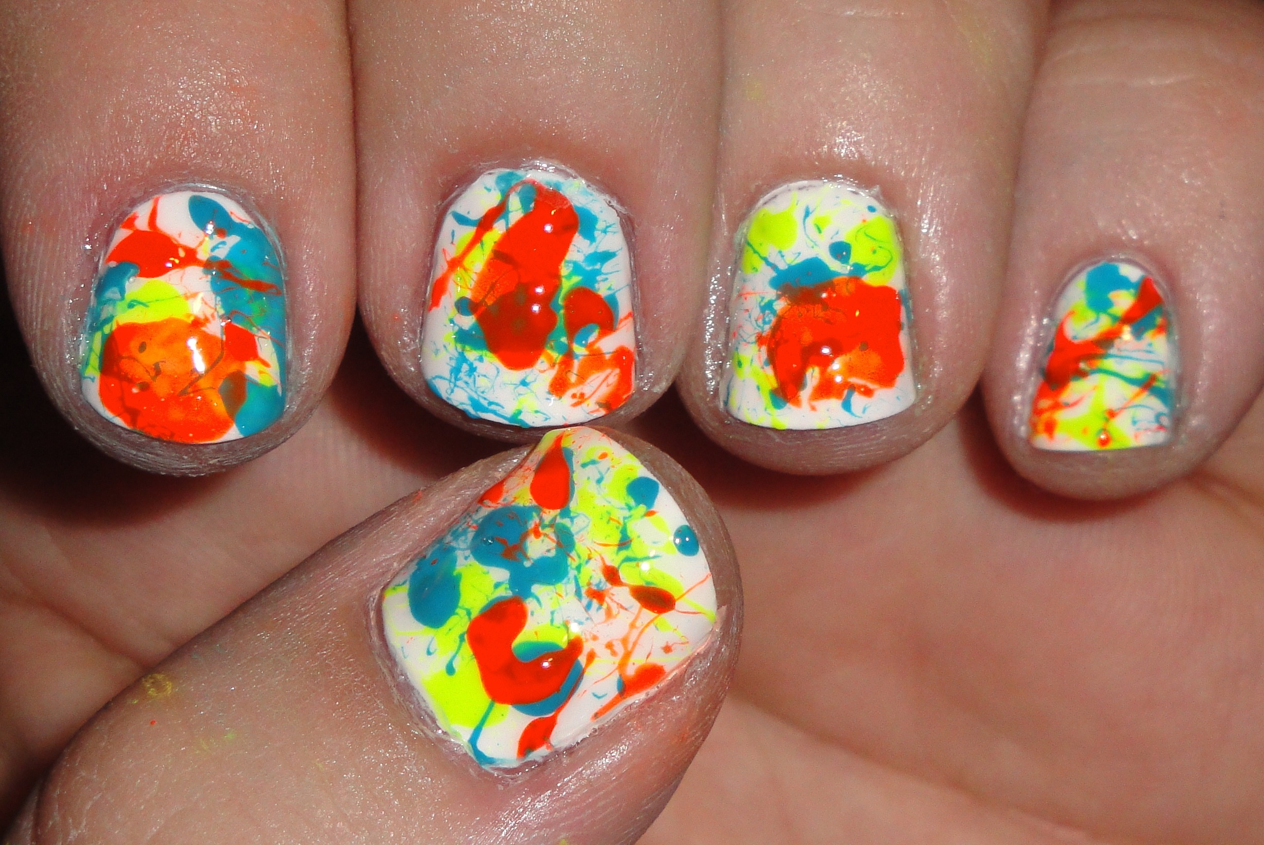 Best-Neon-Nail-Art-Designs-and-Colors (10)