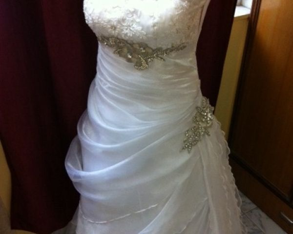 Wedding Gowns and Bridal Dresses for christian Brides (31)