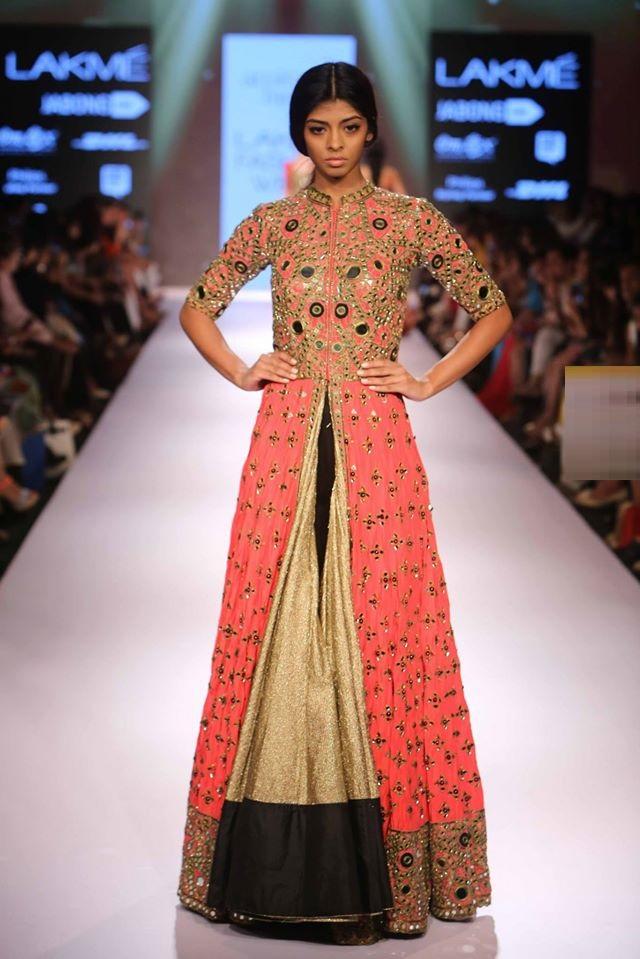 ANUSHREE-REDDY-ARPITA-MEHTA-RIDHI-MEHRA-at-Lakme-Fashion-Week (2)