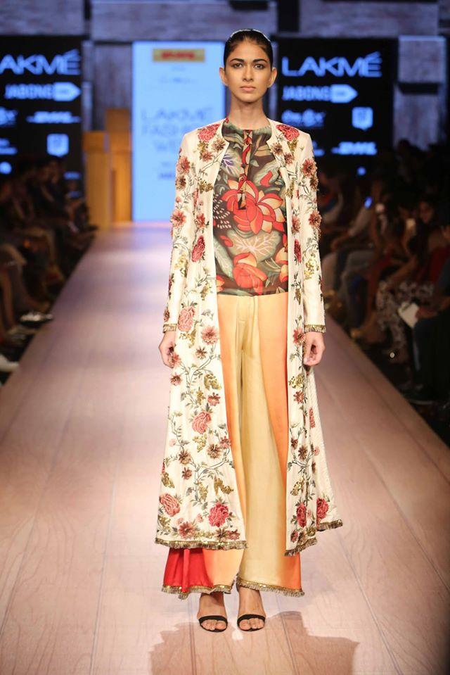 DHL-PRESENTS-ANAND-KABRA-NIKASHA-at-Lakme-Fashion-Week (1)