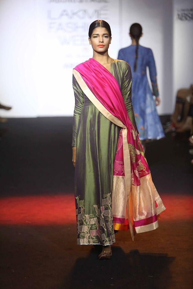 DIVYA-REDDY-PRIYAM-NAYARAN-VINEET-RAHUL-at-Lakme-Fashion-Week (2)