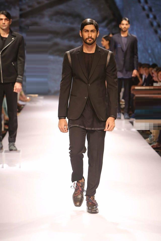 JABONG-PRESENTS-BUGATTI-at-Lakme-Fashion-Week (2)