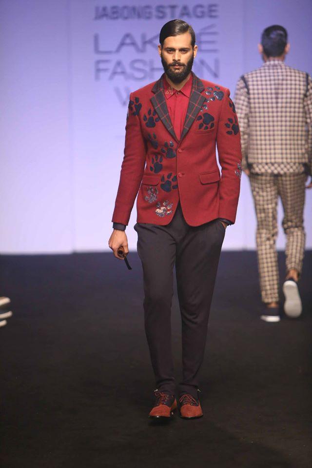 MANISH-BANSAL-SOL-BY-PIYUSH-DEDHIA-TANIEYA-KHANUJ-at-Lakme-Fashion-Week (1)