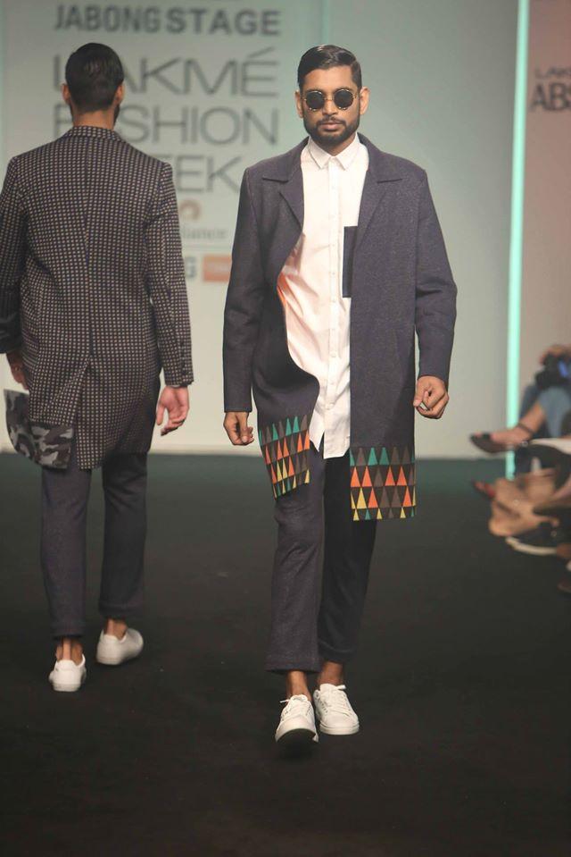 MANISH-BANSAL-SOL-BY-PIYUSH-DEDHIA-TANIEYA-KHANUJ-at-Lakme-Fashion-Week (2)