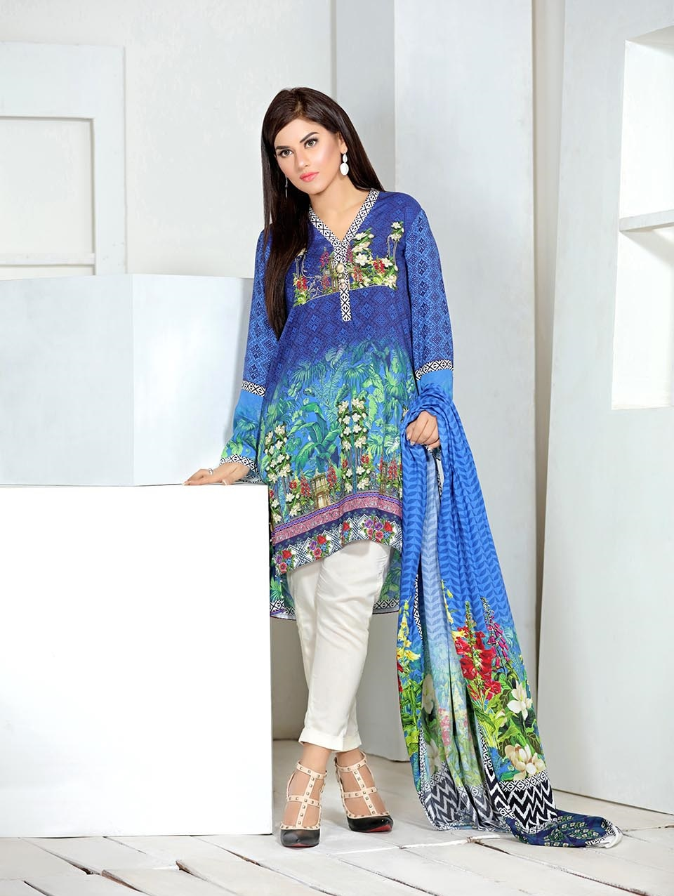 blue digital printed linen 3 piece stitched suit by so kamal