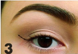 how to apply winged eyeliner (3)