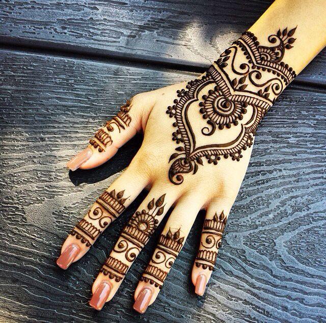 how-to-make-henna-or-mehndi-darker (2)