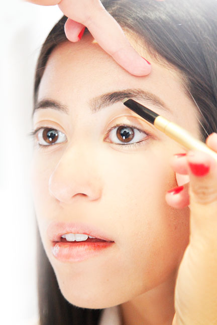 step-7-how-to-shape-eyebrows (2)