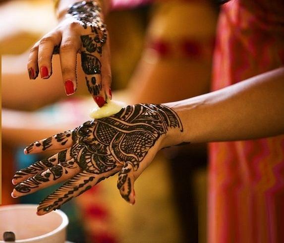 Tips-to-make-henna-or-mehndi-darker (4)