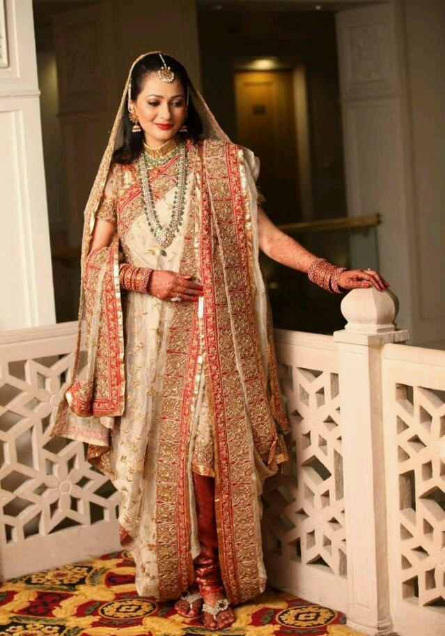 Indian-Bridal-Dupatta-Setting-Styles-and-Trends (15)