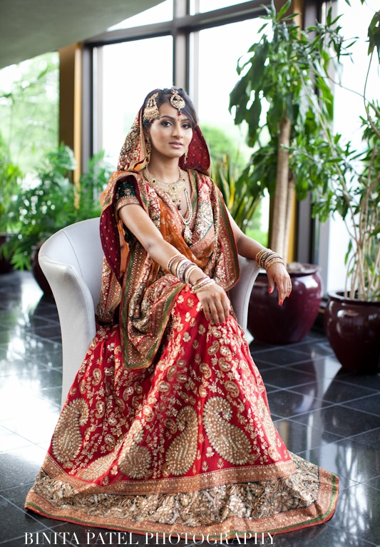 Indian-Bridal-Dupatta-Setting-Styles-and-Trends (5)