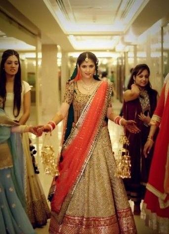 Pakistani-Bridal-Dupatta-Setting-Styles-and-Trends (29)