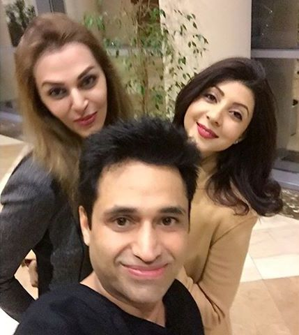 Asim-jofa-pictures-with-freids-and-family (4)