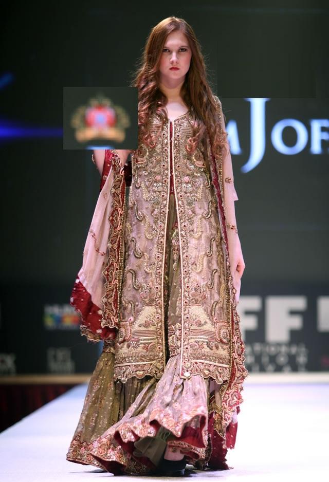 latest-designs-by-Asim-jofa-13