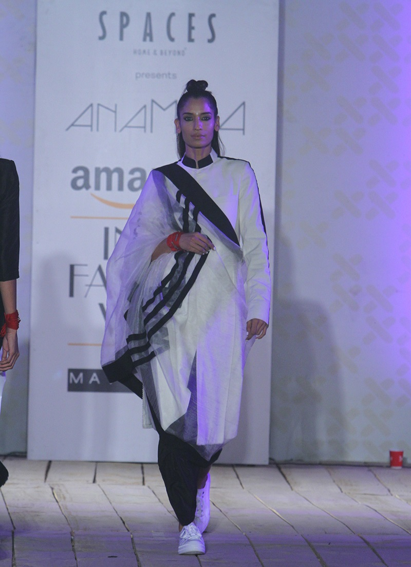 AnaMika-Summer-2016-2017-at-Amazon-India-Fashion-Week (2)