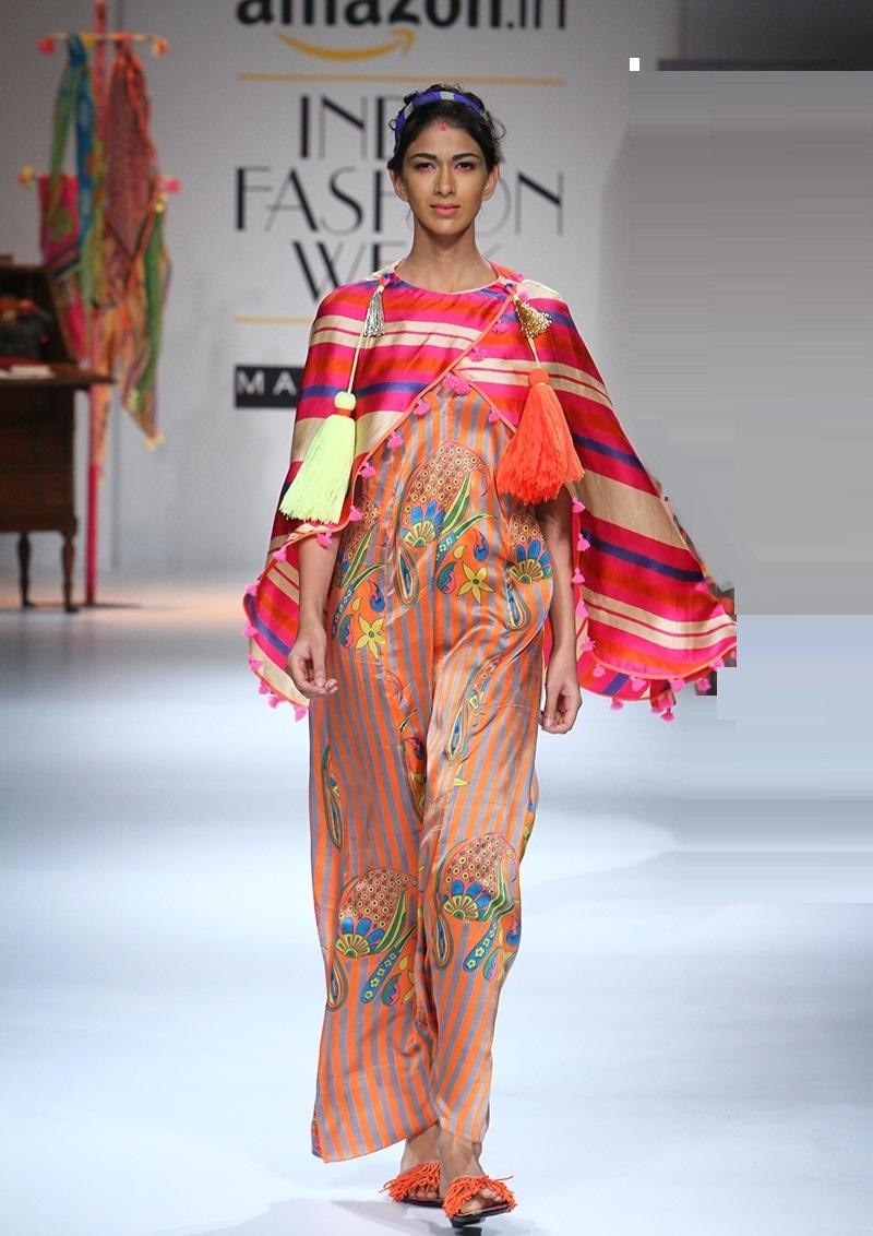 Anupama-Dayal-Summer-2016-2017-at-Amazon-India-Fashion-Week (1)